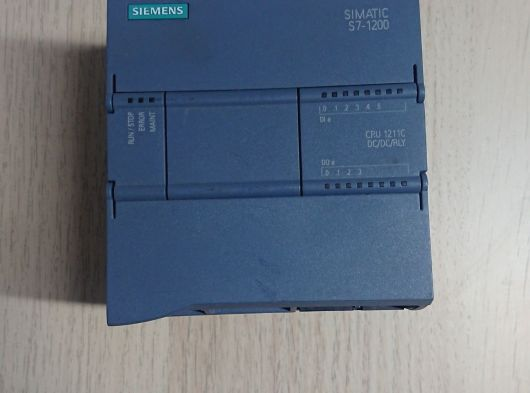 Siemens S7-1200 Cpu 1211C DC/DC/RLY 6ES7 211-1HE40-0XB0 2015