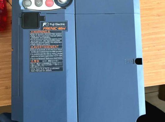 Fuji mini 4e 7.5kw 18 amper 10 beygir